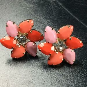 NWT Fun Flower CLIP Earrings